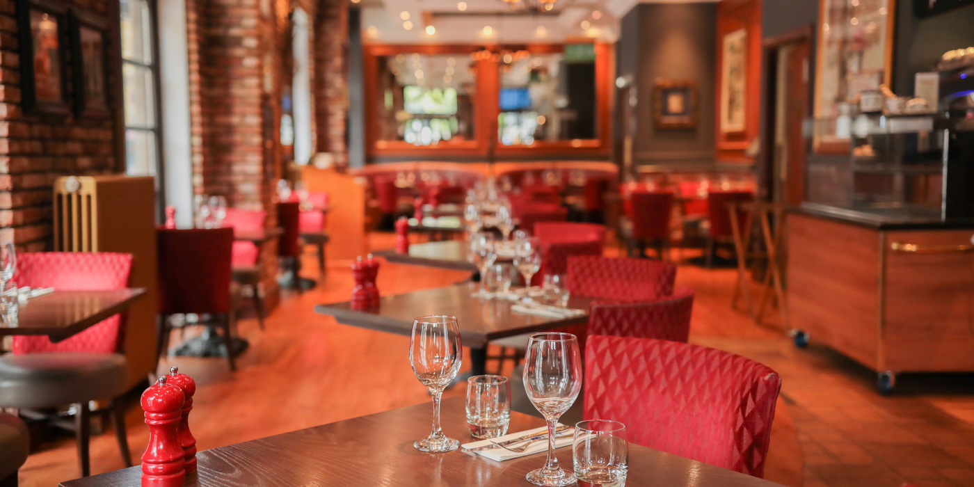 <h3>WELCOME TO LA BONNE AUBERGE</h3>